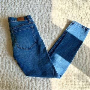 UO BDG Mid Rise Cigarette Grazer Blue Jean